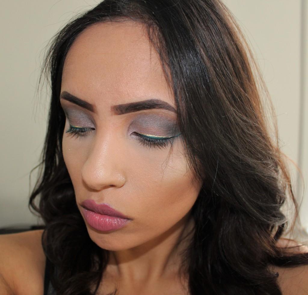 metallic eyeliner look