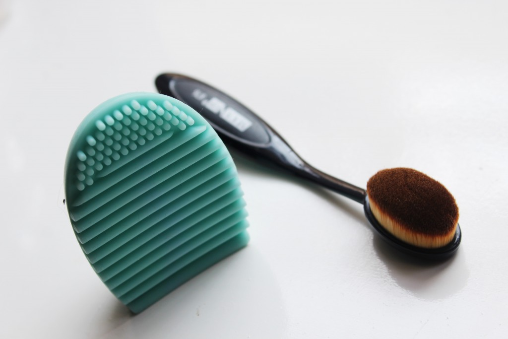 Aliexpress shoplog brush egg oval brush