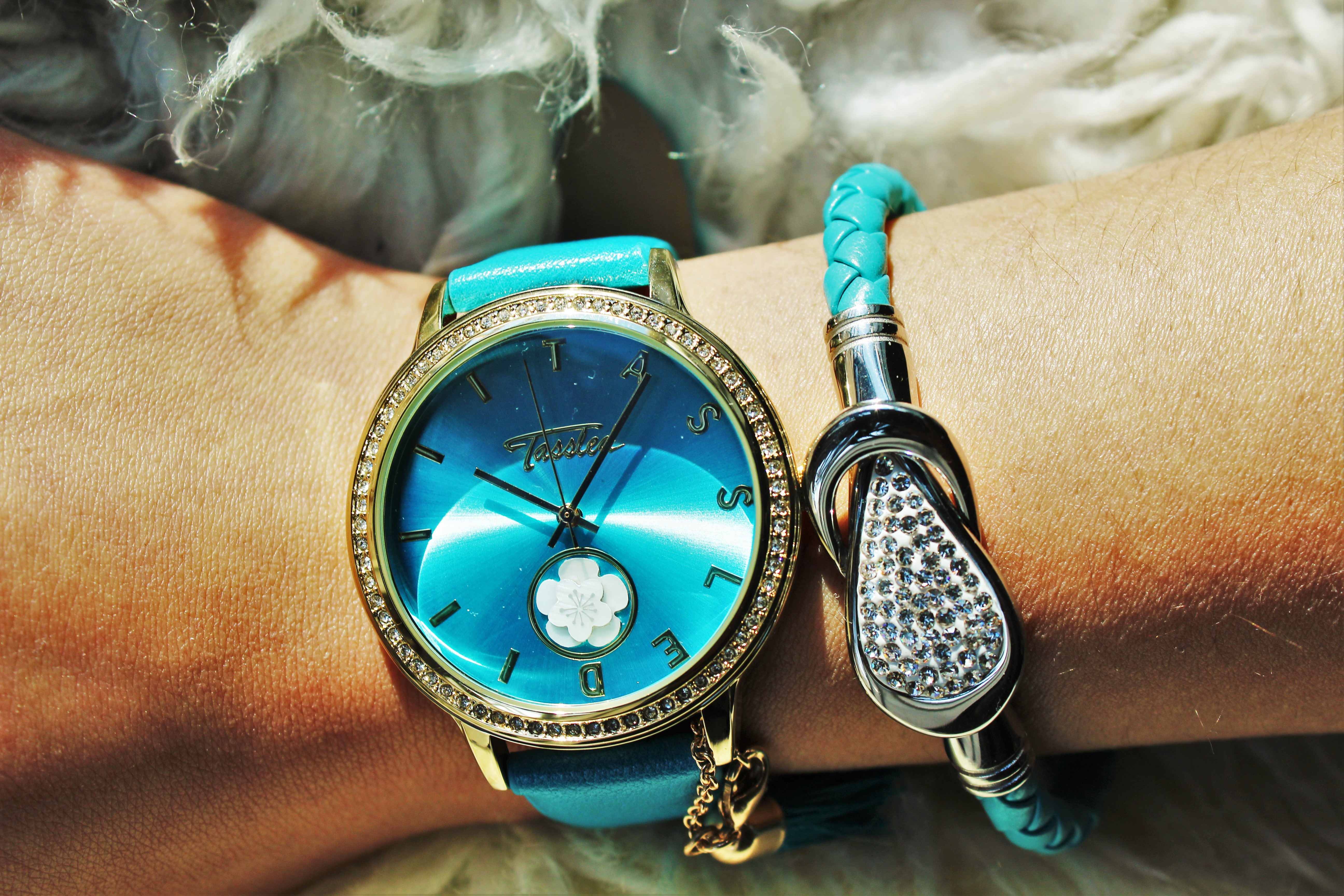 Armcandy: Tassled horloge & armbandje