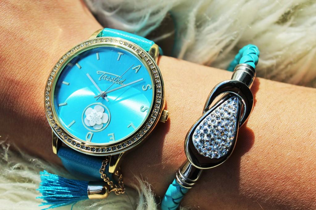 Tassled horloge