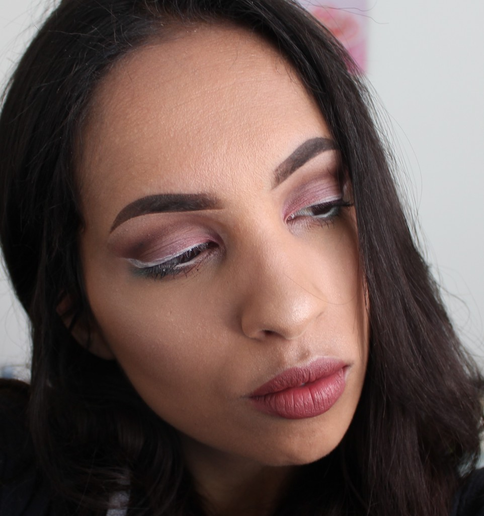 Essence Wake Up Spring make-up look