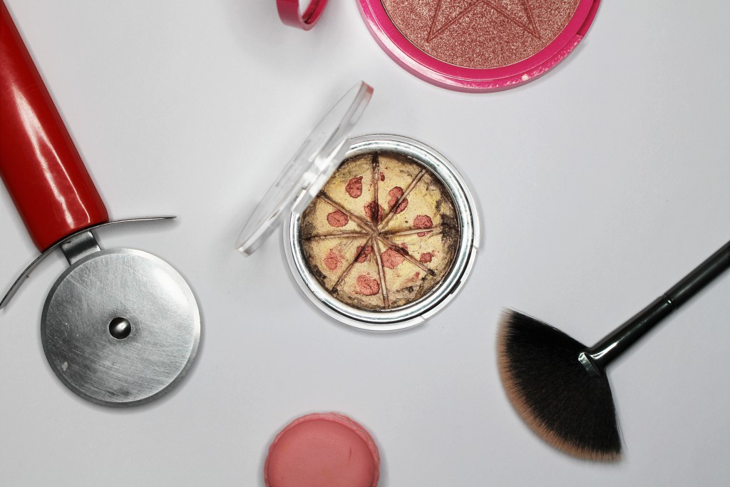 DIY pizza higlighter make-up