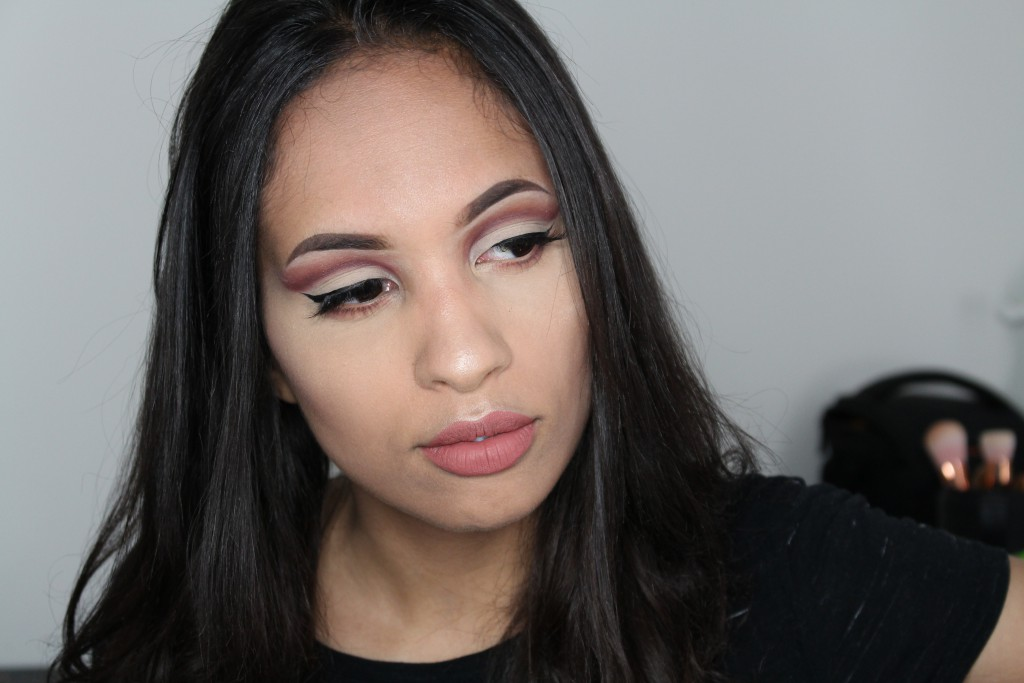red cut crease rood
