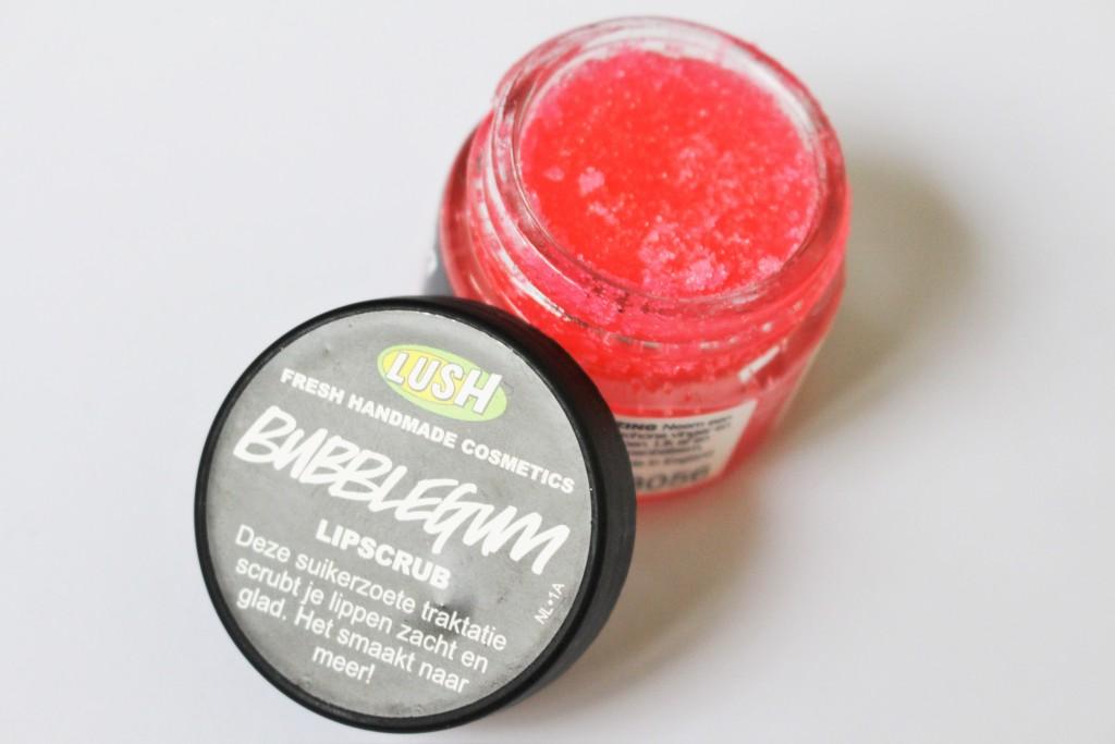 Lush bubblegum lipscrub