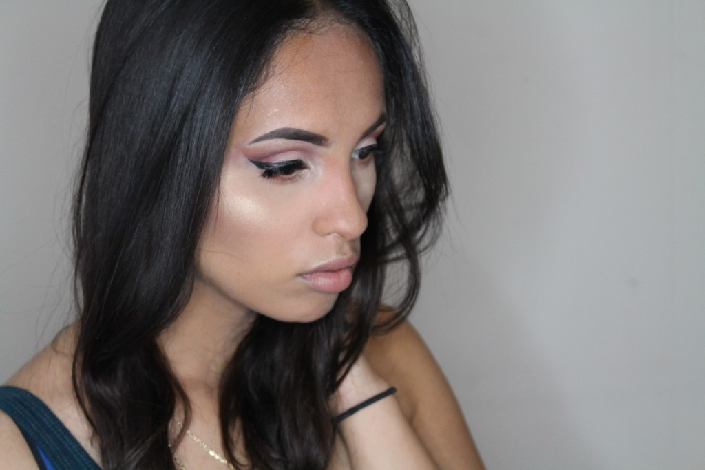 Saleha Give Me Glow Hollywood Gold review