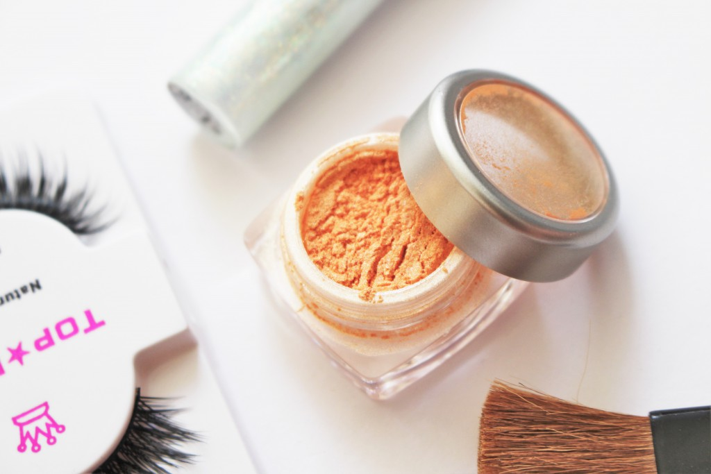 Glitterglam Peach Dreams highlighter review makeup