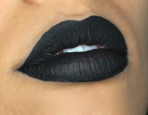 zwarte lipstick hoe dragen