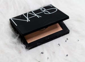 NARS Fort De France Highlighting Powder review