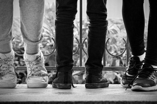 Waarom zwarte sneakers een aanwinst zijn voor elke kledingkast