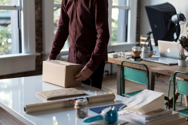 Met deze tips gaat de pakketjesbezorger je weer lief vinden