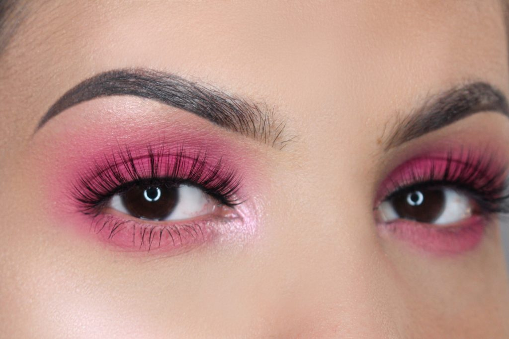 luna wimpers lashes hooded eyes kleine ogen