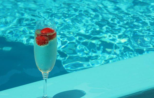 Bij deze zonnige gelegenheden is een mooie fles champagne een goed cadeau