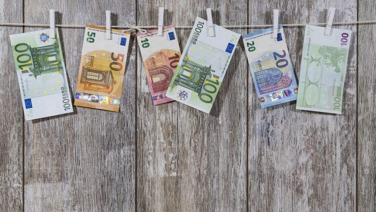 Realistische manieren om vanuit huis geld te verdienen